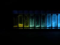 链长决定分子的颜色,从而可以进行医学成像的颜色调节