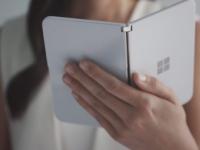 微软可折叠SurfaceDuo的泄漏视频揭示了新的偷看功能