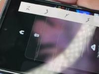 三星GalaxyZFlip屏幕更换价格公布