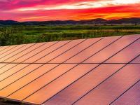 太阳能电池的转换效率持续提升 成本持续下降