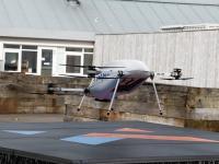 """前沿资讯:真 """"飞行模式"""":三星在爱尔兰一小镇使用无人机配送手机,可三分钟送达-ITBEAR科技资讯"""