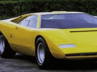 观看兰博基尼工匠将V12组装并安装成1971年CountachLP500原型车